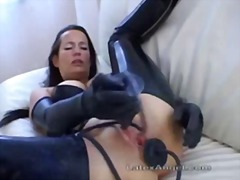 Thumbmail - Extreme mature milf am...