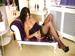 Yummy shaved babe mega... preview
