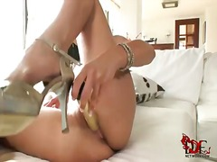 Pornoid Movie:Billy raise charging herself u...