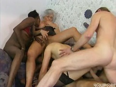 Sun Porno Movie:Grandma in an orgy