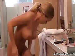 See: Nicole aniston gets re...