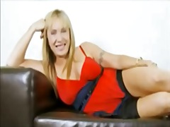 Hot granny masturbates and squirts