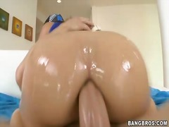 Sun Porno Movie:Amateur brunette show off her ...