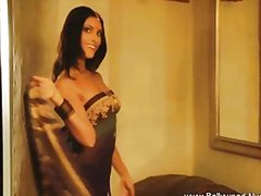 Redtube Movie:Brunette beauty revealed via b...
