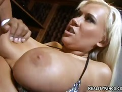Curvy carly parker fucks with justin long