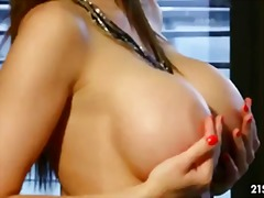 Glam queen - PornHub