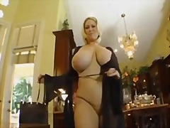 Samantha housewife video