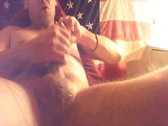 Thumbmail - Guy toying & wanking h...