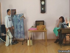 Yobt Movie:Sewing oldie pleases his eroti...