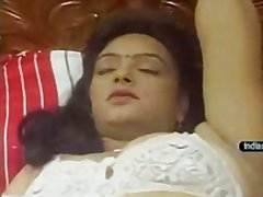 Redtube Movie:Mallu aunty 2 bits