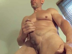 Thumb: Beefy mature guy jerki...