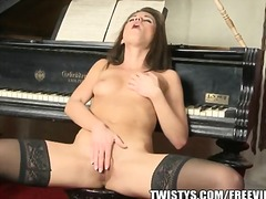 Caprice masturbating i... from PornerBros