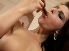 Extremely hot girlie p...