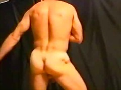 See: Hot sexy guy solo wanking