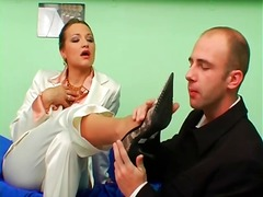 Sucking the feet of a ... - Alpha Porno