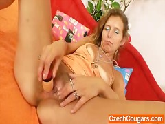 Thin amateur mother to...