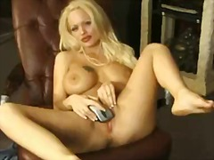 Over Thumbs Movie:Dumb blonde uses mouse to plea...