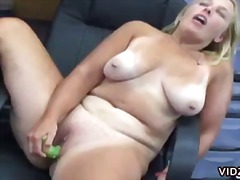Over Thumbs Movie:Blonde bitch shoves bananas in...