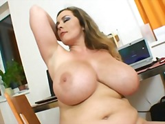 Thumbmail - Sweet girl with giant ...