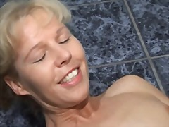 Mature blonde 8112 from Xhamster