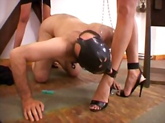 Mistress gives pain fo... - Xhamster