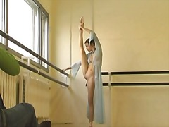 Very cute russian gymnast video