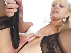 Elder blondie matured putting in puss...