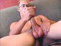 Cute guy whacking off ... - BoyFriendTV