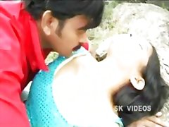 Redtube Movie:Hot telugu aunty romance besid...