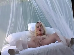 Pornoid - Blonde babe alexis for...