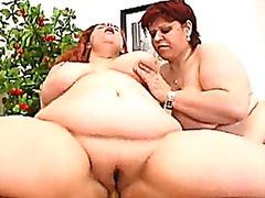 2 hot fat amateur Milf in a threesome...