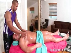 PornoXO - Handsome gay massaging...