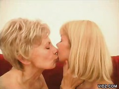 Over Thumbs Movie:Two luscious blonde grannies f...