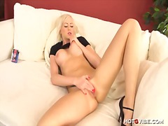 Hot blonde wets her pu... video