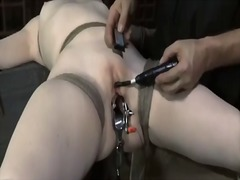 Thumb: Slave gets vicious dri...