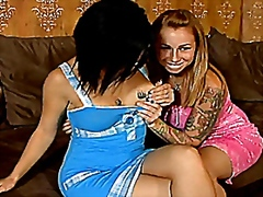 Tattoo chicks 3some - Vporn