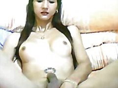 Sexy tranny toying her...