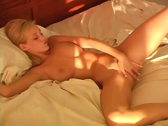 Girlie plays with sex toy