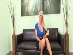Alpha Porno Movie:Leggy bimbo courtney taylor is...