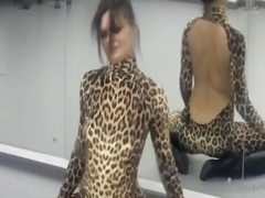 Private Home Clips Movie:Girlfriend dressed in a leopar...