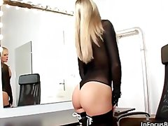 See: Sexy blonde babe gets ...