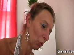 Old masseuse gets her ...