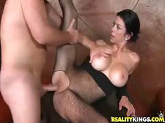Mature cant keep her e...