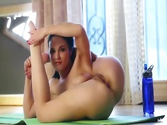 Wetplace - Logan drae does stript...