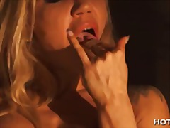 She licks it off the f... video