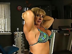 Vporn Movie:Mature female bodybuilder work...