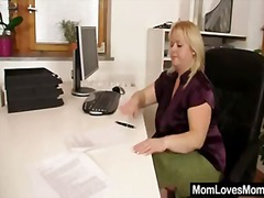 Keez Movies Movie:Amateur-mom loves housewife pl...