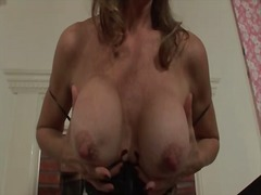 Big mature tits make b...