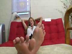 Milf takes about feet - Xhamster
