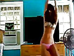 Thumb: Tanned cam babe dancing